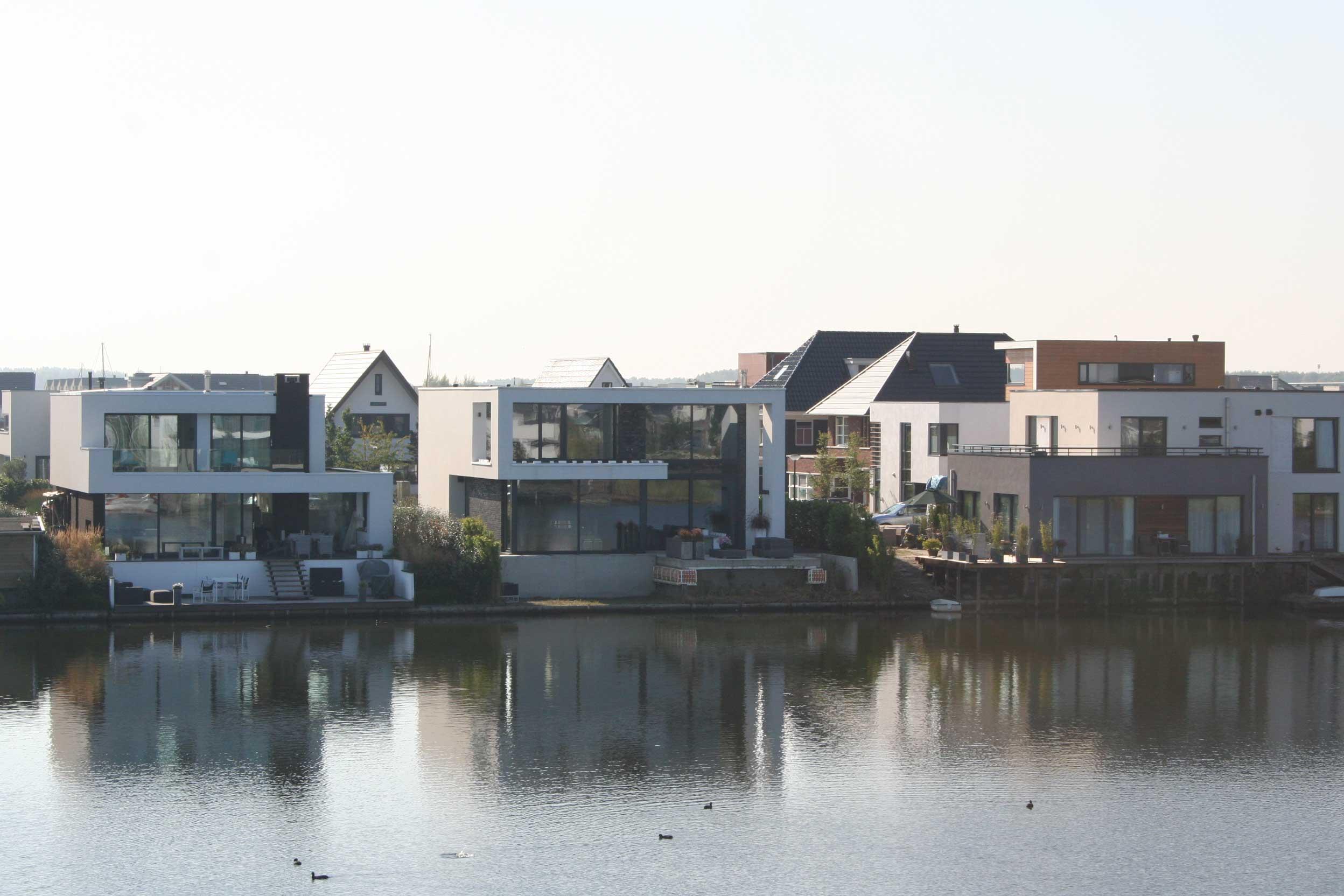 Polder villa aan het water Almere Noorderplassen | olof architects