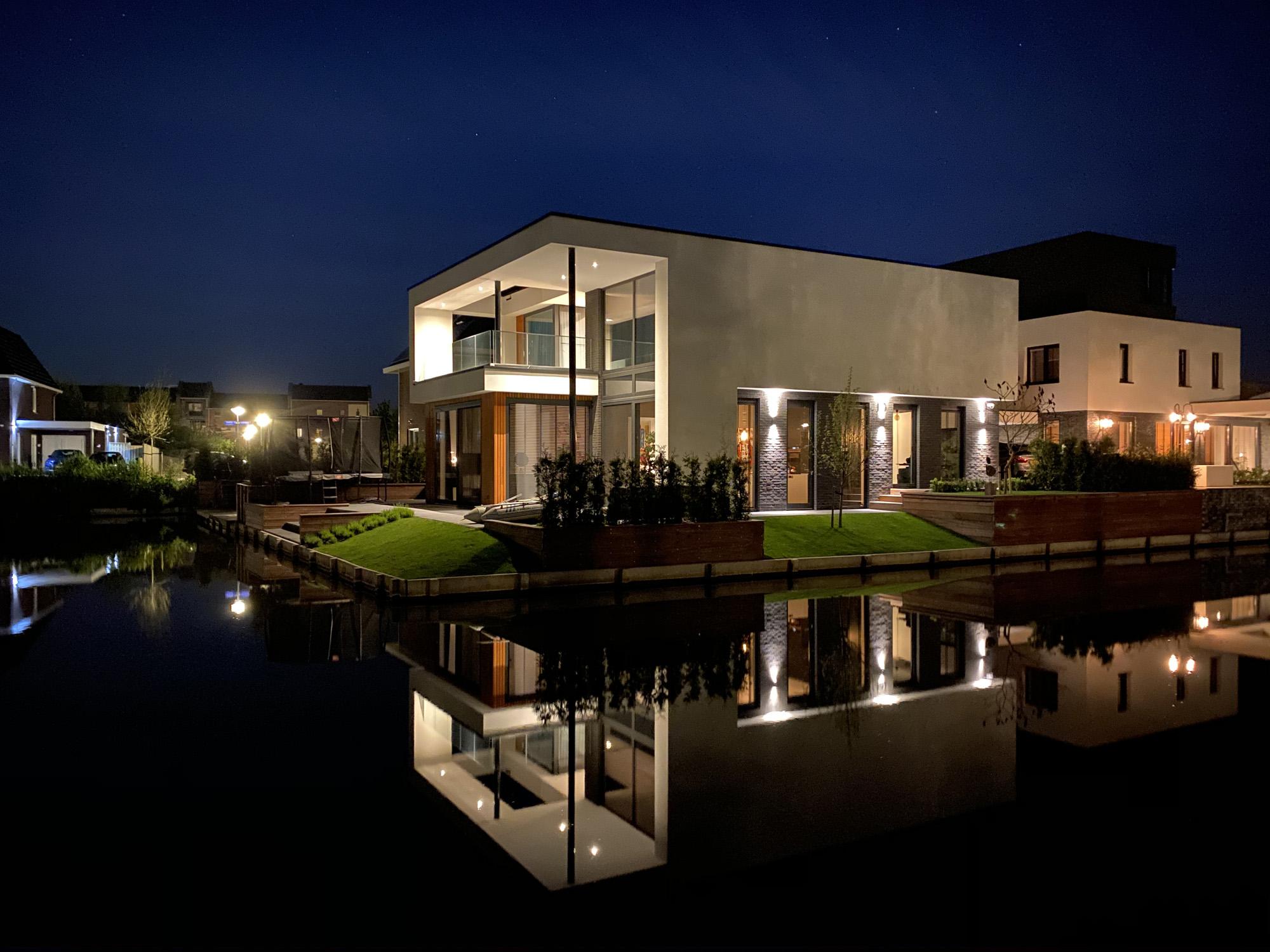 Polder villa aan het water Almere Buiten | Olof Architects